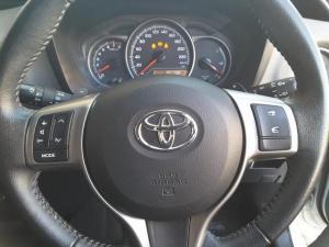 Toyota Yaris 1.3 auto - Image 13