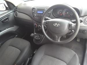 Hyundai i10 1.25 GLS - Image 10