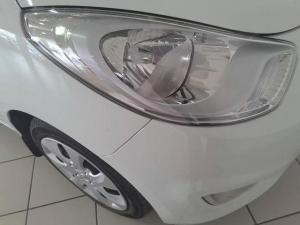 Hyundai i10 1.25 GLS - Image 7