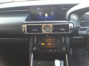 Lexus IS 350 E - Image 18