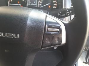 Isuzu KB 300D-Teq double cab LX - Image 17