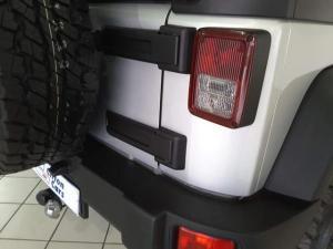 Jeep Wrangler 3.8L Rubicon - Image 5