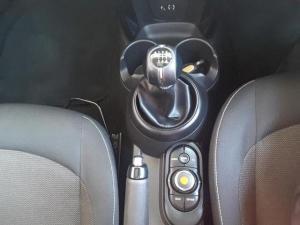 MINI Hatch Cooper Hatch 3-door - Image 17