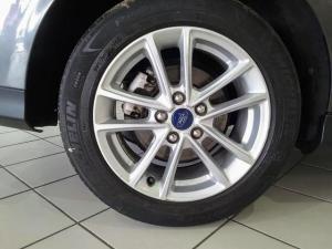 Ford Focus sedan 1.5T Trend auto - Image 6