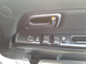 Isuzu KB 240 double cab LE - Image 13
