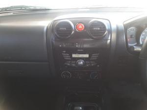 Isuzu KB 240 double cab LE - Image 17