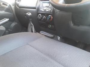 Isuzu KB 240 double cab LE - Image 19