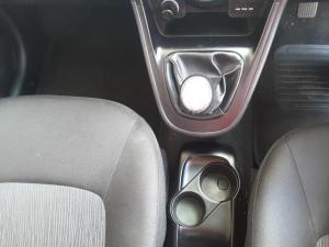Hyundai i10 1.25 Glide - Image 19