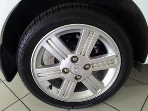 Hyundai i10 1.25 Glide - Image 6