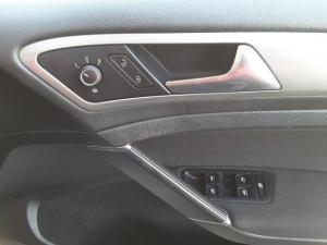 Volkswagen Golf 2.0TDI Comfortline - Image 15