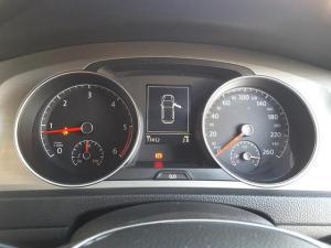 Volkswagen Golf 2.0TDI Comfortline - Image 20