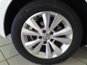 Volkswagen Golf 2.0TDI Comfortline - Image 6