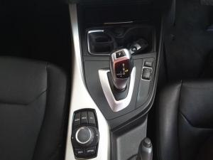 BMW 1 Series 125i 5-door auto - Image 17