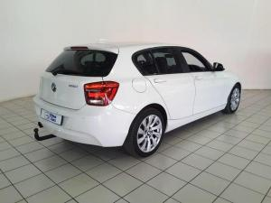 BMW 1 Series 125i 5-door auto - Image 3
