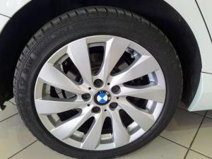 BMW 1 Series 125i 5-door auto - Image 6