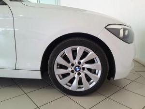 BMW 1 Series 125i 5-door auto - Image 7