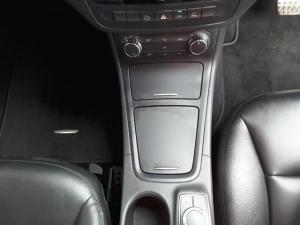 Mercedes-Benz B-Class B200CDI auto - Image 16