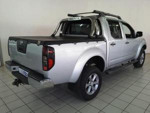 Nissan Navara 3.0dCi V6 double cab 4x4 LE - Image 3