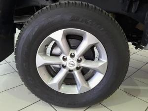 Nissan Navara 3.0dCi V6 double cab 4x4 LE - Image 6