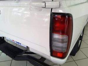 Nissan NP300 Hardbody 2.5TDi - Image 5