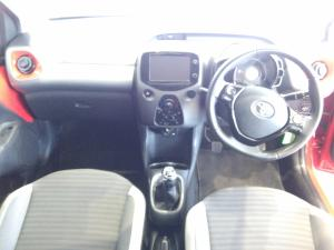Toyota Aygo 1.0X-PLAY - Image 12