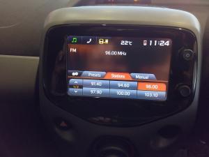 Toyota Aygo 1.0X-PLAY - Image 14
