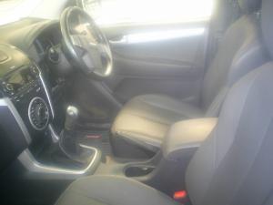 Isuzu KB 300D-Teq Extended cab LX - Image 5