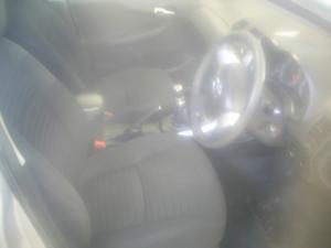 Toyota Corolla 1.3 Professional - Image 5