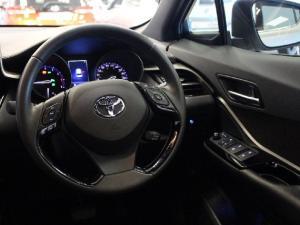 Toyota C-HR 1.2T Luxury - Image 9