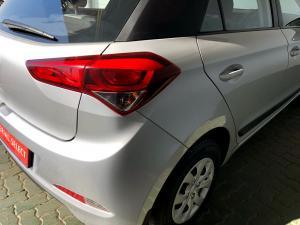 Hyundai i20 1.2 Motion - Image 10