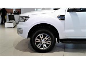 Ford Everest 3.2TDCi 4WD XLT - Image 4
