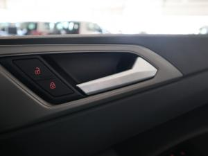 Volkswagen Polo 1.0 TSI Comfortline DSG - Image 20