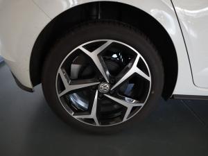 Volkswagen Polo 1.0 TSI Comfortline DSG - Image 23
