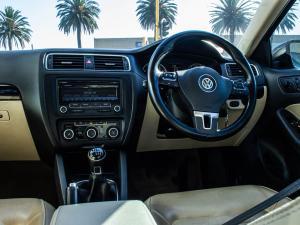 Volkswagen Jetta VI 1.4 TSi Comfortline - Image 2