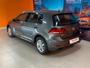 Volkswagen Golf VII 1.0 TSI Trendline - Image 4