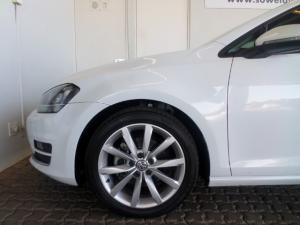 Volkswagen Golf VII 2.0 TDI Highline DSG - Image 17