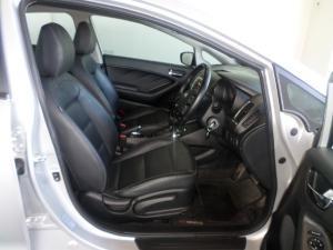 Kia Cerato 2.0 EX automatic - Image 6