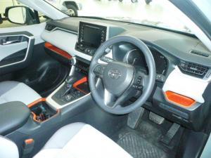 Toyota RAV4 2.0 AWD GX-R - Image 5