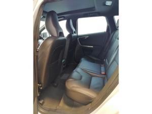 Volvo XC60 D5 AWD Momentum - Image 8