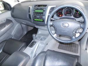 Toyota Hilux 3.0D-4D double cab Raider auto - Image 7