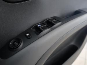 Hyundai i10 1.1 GLS/MOTION - Image 20