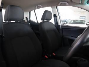 Hyundai i10 1.1 GLS/MOTION - Image 22