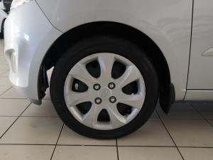 Hyundai i10 1.1 GLS/MOTION - Image 24