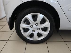 Hyundai i10 1.1 GLS/MOTION - Image 26