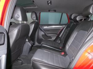Volkswagen Golf VII 2.0 TSI R DSG - Image 15
