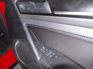 Volkswagen Golf VII 2.0 TSI R DSG - Image 17