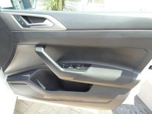 Volkswagen Polo 1.0 TSI Comfortline DSG - Image 13