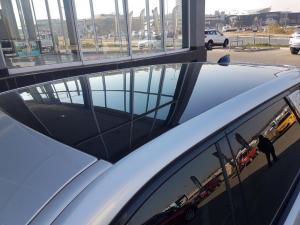 Land Rover Discovery Sport 2.0i4 D HSE - Image 11