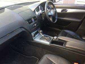 Mercedes-Benz C200K Classic automatic - Image 7