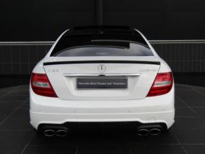 Mercedes-Benz C63 AMG Coupe - Image 8